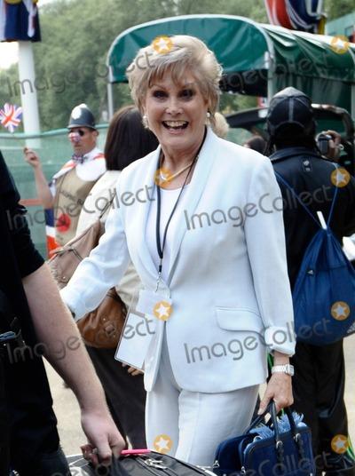 Angela Rippon Photo - Angela Rippon at Buckingham Palace on the day before the royal wedding London UK 42811