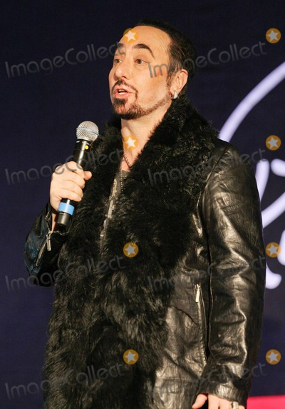 Ashford  Simpson Photo - David Gest at a press conference held at Gilgamesh announcing that English pop star Cliff Richard 70 will duet with a series of soul legends on his new EMI album produced by Lamont Dozier Ashford  Simpson with David Gest ex-husband of Liza Minnelli as executive producer London UK 030711