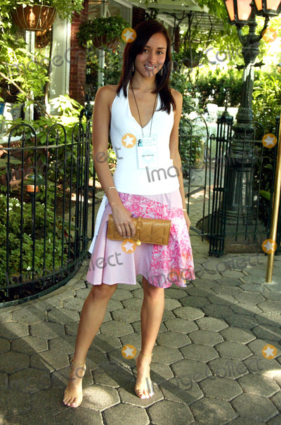 April Wilkner Photo - April Wilkner (americas Top Model) at the Circle of Friends NY Mini 10k Race to Support People to Stop Smoking at Tavern on the Green in New York City on June 12 2004 Photo by Henry McgeeGlobe Photos Inc 2004
