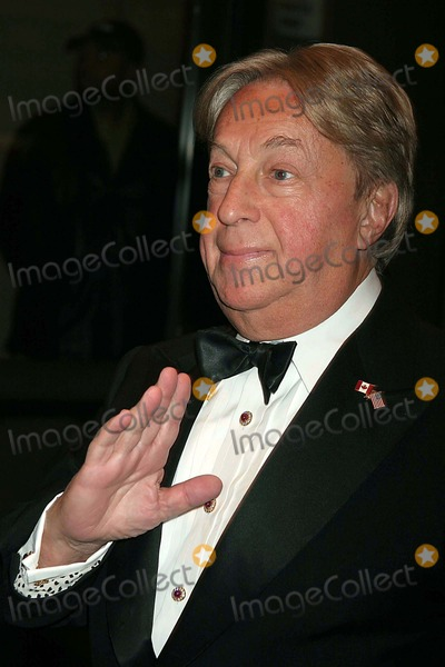 Arnold Scaasi Photo - Arnold Scaasi Arriving at the Opening Night of Neil Simons the Odd Couple at the Brooks Atkinson Theatre in New York City on 10-27-2005 Photo by Henry McgeeGlobe Photos Inc 2005