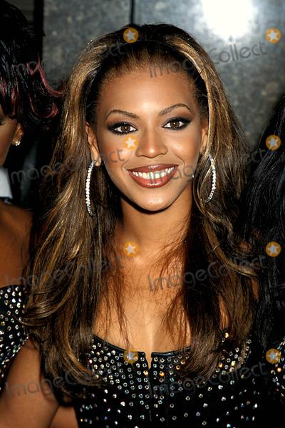 Beyonce Photo - Sd0907 Mtv 2000 Video Music Awards at Radio City Music Hall in New York City Beyonce Knowles Photo Byhenry McgeeGlobe Photos Inc