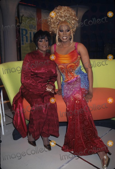 PATTIE LABELLE Photo - Patti Labelle the Rupaul Show Taping Vh1 Studio in New York 1997 K9337hmc Photo by Henry Mcgee-Globe Photos Inc