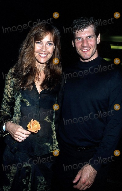 Alexi Yashin Photo - Sd0621 Mohegan Sun Hotel and Casino Grand Opening Weekend Carol Alt and Alexi Yashin Uncasvillect Photohenry McgeeGlobe Photos Inc