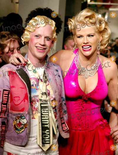 Anna Nicole Smith Photo - Richie Rich and Anna Nicole Smith at Heatherette Showing of Fall Collection at Mao Space at Atlas in New York City on February 12 2004 Photo by Henry McgeeGlobe Photos Inc 2004 Heatherette Fashion Runway Model