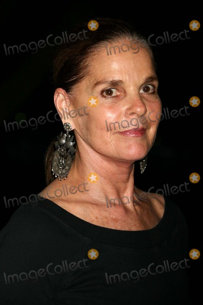 Ali Macgraw Photo - Ali Macgraw Arriving at the Public Theaters Summer Gala and Opening Night Performance of Shakespeare in the Parks Macbeth at the Delacorte Theater in Central Park in New York City on 06-29-2006 Photo by Henry McgeeGlobe Photos Inc 2006
