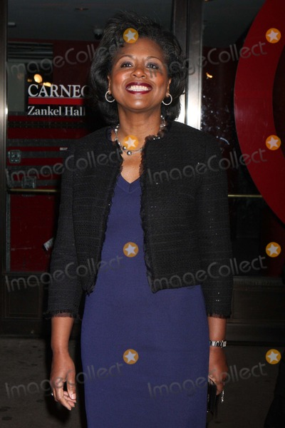 Anita Hill Photo - Anita Hill Arriving at Glamour Magazines 21st Annual Women of the Year Awards at Carnegie Hall in New York City on 11-07-2011 Photo by Henry Mcgee-Globe Photos Inc 2011