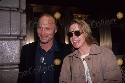Amy Madigan Photo - Ed Harris with Amy Madigan at Streetcar Named Desire Stage Door 1992 K3988hmc Photo by Henry Mcgee-Globe Photos Inc