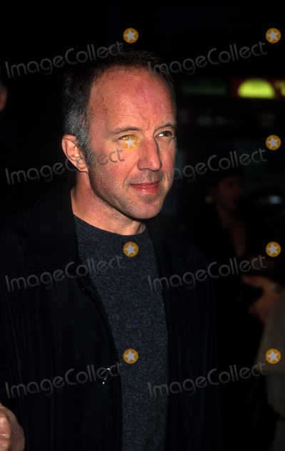 Arliss Howard Photo - Sd1129 Premiere of the Film the Business of Strangers Clearview Chelsea Westnyc Arliss Howard Photohenry McgeeGlobe Photos Inc
