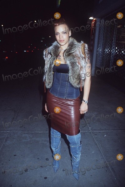Faith Evans Photo - 2001 Vh1 Vogue Fashion Awards After Party at Lotus NYC 101901 Photo by Henry McgeeGlobe Photos Inc 2001 Faith Evans