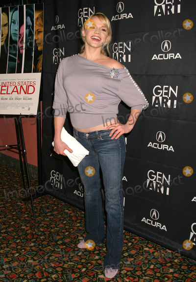 Alexa Havins Photo - Alexa Havins (All My Children) Arriving at the Premiere of the United States of Leland Hosted by Genart at Chelsea 9 in New York City on March 31 2004 Photo by Henry McgeeGlobe Photos Inc 2004