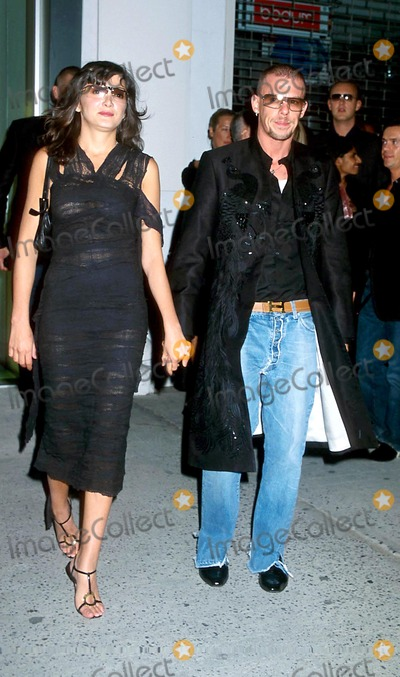 Annabelle Neilson Photo - Sd090502 Alexander Mcqueen Celebrates Opening of New Store in the Meat Packing Districtnyc Photo Byhenry McgeeGlobe Photosinc 2002 Annabel Neilson_alexander Mcqueen