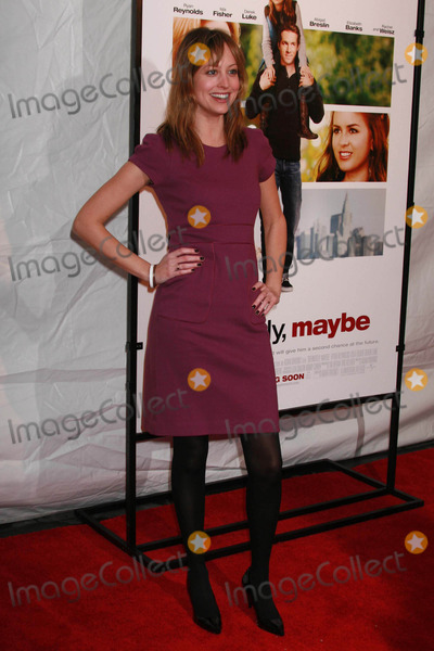 Alexis Gilmore Photo - Alexie Gilmore Arriving at the Premiere of Definitely Maybe at the Ziegfeld Theatre in New York City on 02-12-2008 Photo by Henry McgeeGlobe Photos Inc 2008