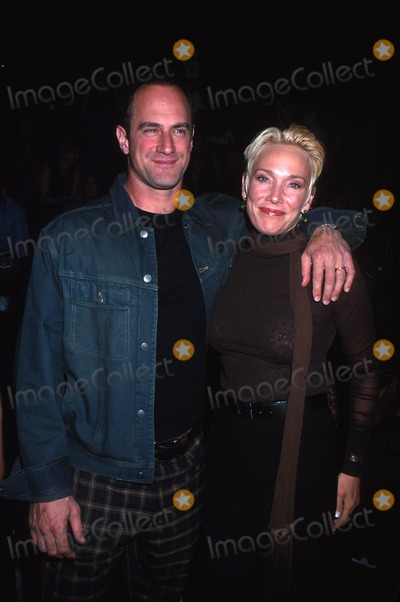 Christopher Meloni Photo - Sd0918 Kenneth Cole Springsummer 2003 Fashion Show Photohenry McgeeGlobe Photos Inc 2002 Christopher Meloni and Wife Sherman