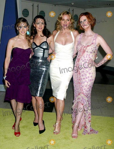 Kristin Davis Photo - Sarah Jessica Parker Kristin Davis Kim Cattrall and Cynthia Nixon at the 6th Season Premiere of Sex and the City at American Museum of Natural History in New York City on June 18 2003 Photo Henry McgeeGlobe Photos Inc 2003