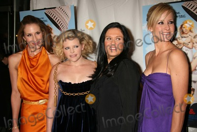 The Dixie Chicks Photo - New York NY 10-24-2006The Dixie Chicks (Emily Robison Natalie Maines and Martie Maguire) and director Barbara Kopple attend the premiere of Shut Up  Sing at Regal Cinemas Union SquareDigital Photo by Lane Ericcson-PHOTOlinknet