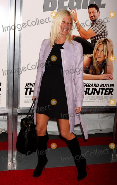 LIZZY GRUBMAN Photo - Lizzie Grubman Arriving at the Premiere of Columbia Pictures the Bounty Hunter at the Ziegfeld Theater in New York City on 03-16-2010 Photo by Henry Mcgee-Globe Photos Inc 2010