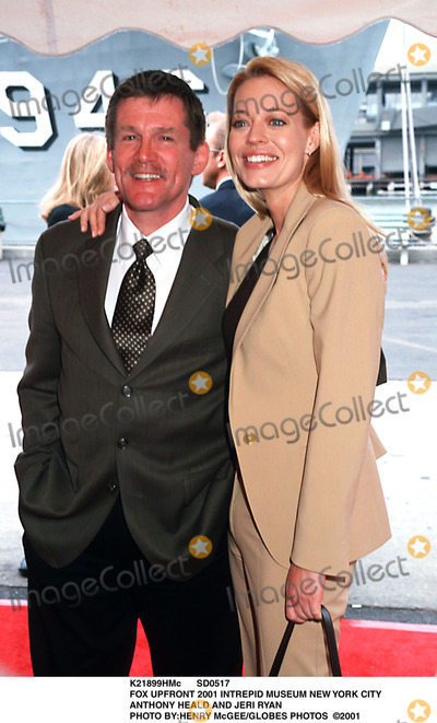 Anthony Heald Photo - Sd0517 Fox Upfront 2001 Intrepid Museum New York City Anthony Heald and Jeri Ryan Photo Byhenry Mcgeeglobes Photos