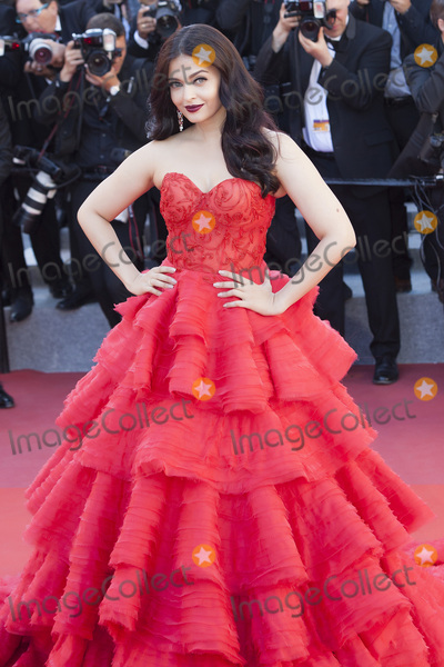 Aishwarya Rai Photo - CANNES FRANCE - MAY 20 Aishwarya Rai attends the120 Beats Per Minute (120 Battements Par Minute) screening during the 70th annual Cannes Film Festival at Palais des Festivals on May 20 2017 in Cannes France(Photo by Laurent KoffelImageCollectcom)