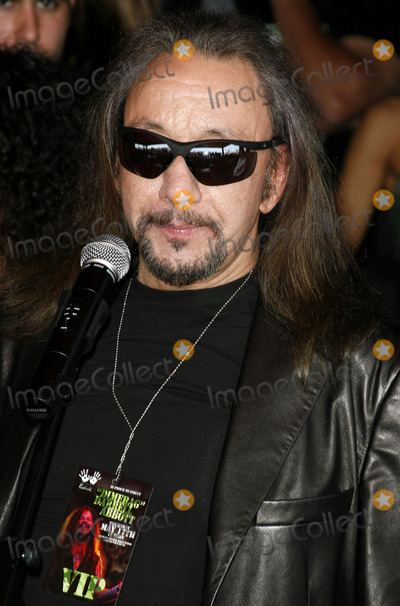 Dimebag Darrell Photo - Ace Frehley of Kiss attends the Posthumoustly Induction of legenadary metal guitarist Dimebag Darrell Abbott into Hollywoods RockWalk held at the Guitar Center in Hollywood California on May 17 2007  Copyright 2007 by Arno GranPopular Images