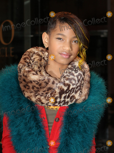 Willow Smith Photo - Actress Willow Smith outside a midtown Manhattan hotel on December 5 2011 in New York City