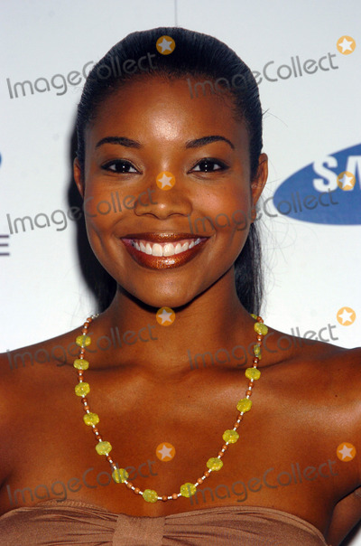 Gabrielle Union Photo - MIAMI AUGUST 27 2005    Gabrielle Union at the launch of the Sean John Elite Footwear Collection