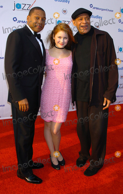 Al Jarreau Photo - NEW YORK JUNE 7 2004    Al Jarreau Wynton Marsalis and Renee Olstead attend the  Lincoln Centers 3rd Annual Spring Gala Teach Me Tonight at the Apollo Theater The benefit performance will go to educational programs produced by Jazz at Lincoln Center
