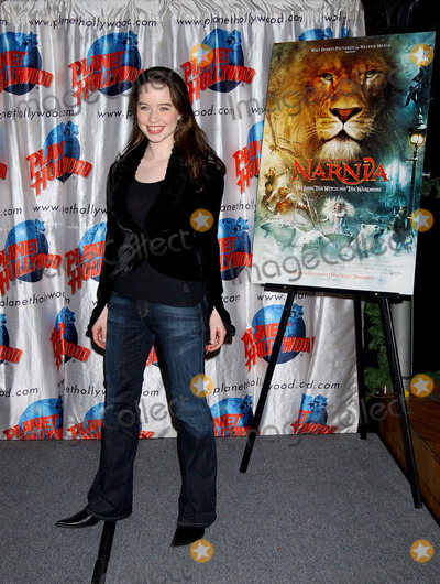 Anna Popplewell Photo - Anna Popplewell at the cast appearance of Disney Pictures new film The Chonicles of Narnia held at Planet Hollywood