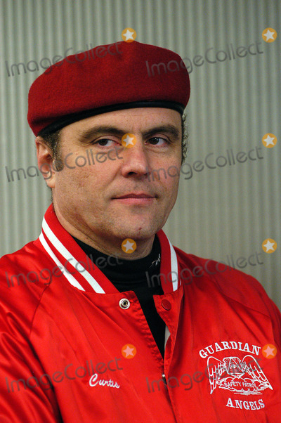 Aleta St James Photo - NEW YORK NOVEMBER 10 2004 Guardian Angels leader Curtis Sliwa at Aleta St James press conference