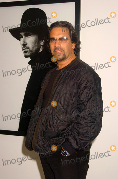Sante DOrazio Photo - NEW YORK OCTOBER 9 2005    Sante DOrazio attends the opening of Anton Corbijns photo exhibition which shows a 22 year relationship with U2 at Stellan Holm Gallery