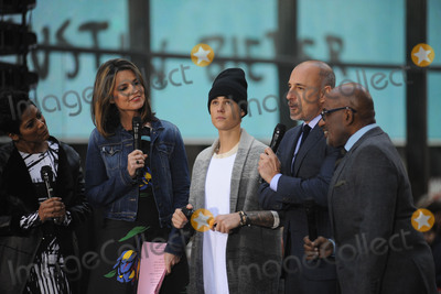 Savannah Guthrie Photo - November 18 2015 New York CitySavannah Guthrie Justin Bieber Matt Lauer Al Roker performing in concert on NBC TODAY at Rockefeller Plaza on November 12 2015 in New York CityCredit Kristin CallahanACETel (646) 769 0430