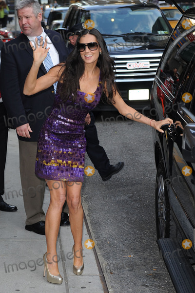 Demi Moore Photo - Actress Demi Moore made an appearance at the Late Show with David Letterman on April 20 2010 in New York City