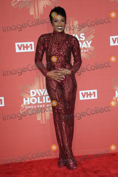 Ariane Davis Photo - December 2 2016  New York CityAriane Davis attending the 2016 VH1s Divas Holiday Unsilent Night at Kings Theatre on December 2 2016 in New York CityCredit Kristin CallahanACE PicturesTel 646 769 0430