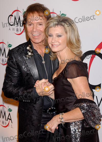 Olivia Newton-John Photo - Sir Cliff Richards and Olivia Newton John arriving to the 39th Annual Country Music Awards held at Madison Square Garden