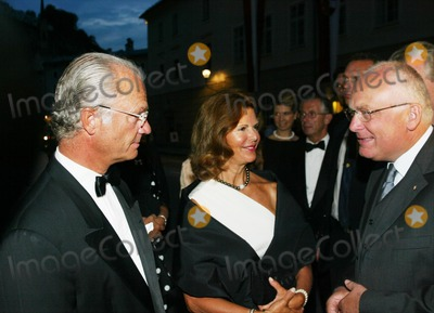 Queen Silvia Photo - Queen Silvia of Sweden and King Carl Gustav at the Salzburg Festival 2002 August 3 2002 REF PPSA2059