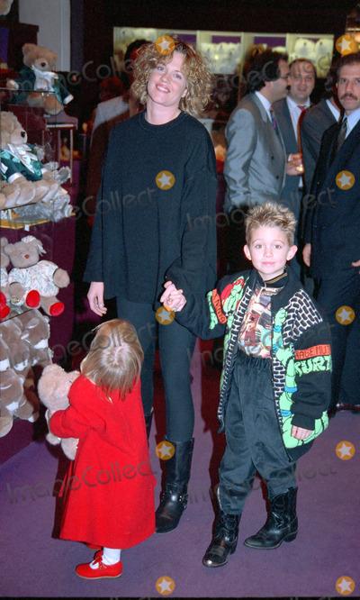 Melanie Griffith Photo - NEW YORK CIRCA 1995 MELANIE GRIFFITH