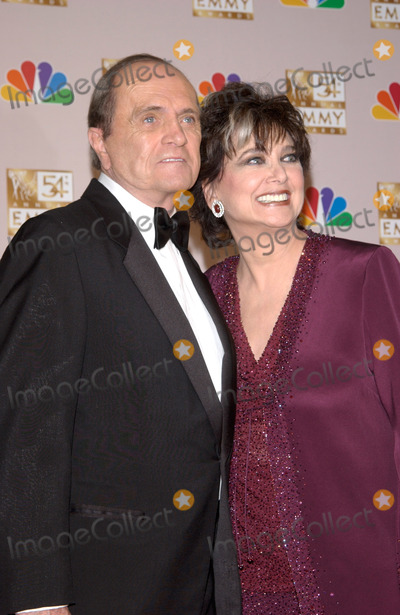 Suzanne Pleshette Photo - BOB NEWHART  SUZANNE PLESHETTE at the 2002 Emmy Awards in Los Angeles22SEP2002  Paul Smith  Featureflash