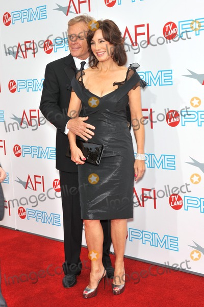 Anne Archer Photo - Anne Archer  husband at the 37th AFI Life Achievement Award Gala at Sony Studios Los Angeles where Michael Douglas was honored with the AFIs Life Achievement AwardThe show will air in the US on TV Land Prime on July 19thJune 11 2009  Los Angeles CAPicture Paul Smith  Featureflash