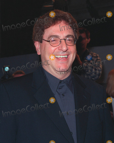 Harold Ramis Photo - 01MAR99 Director HAROLD RAMIS at the world premiere of his new movie Analyze This in Los Angeles The movie stars Robert De Niro  BillyCrystal  Lisa Kudrow     Paul Smith  Featureflash