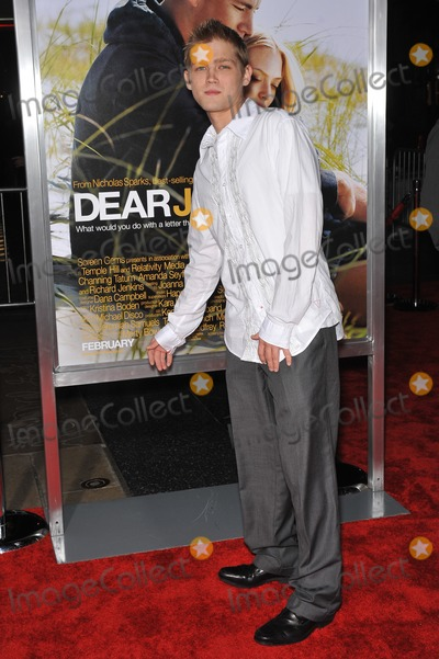 Evan Ellingson Photo - Evan Ellingson at the world premiere of Dear John at Graumans Chinese Theatre HollywoodFebruary 1 2010  Los Angeles CAPicture Paul Smith  Featureflash