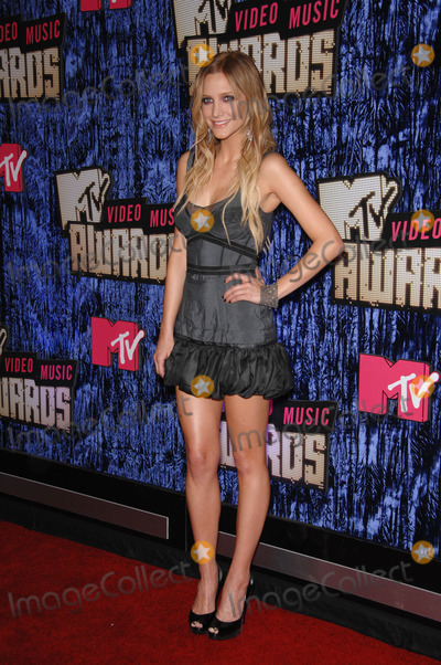 Ashley Simpson Photo - Ashley Simpson at the 2007 MTV Video Music Awards at the Palms resort  Casino Las VegasSeptember 10 2007 Las Vegas NVPicture Paul Smith  Featureflash
