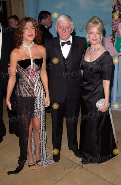 Aaron Spelling Photo - Producer AARON SPELLING  wife CANDY with actress daughter TORI SPELLING at the Carousel of Hope Ball 2000 at the Beverly Hilton Hotel28OCT2000   Paul Smith  Featureflash