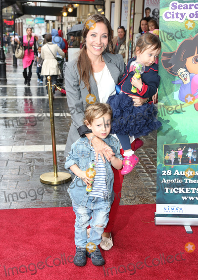 Anna-Marie Wayne Photo - Anna Marie-Wayne and children arriving for the Celebrity  Press Performance of Nickelodeons Dora the Explorer at the Apollo Theatre London 29082012 Picture by Henry Harris  Featureflash