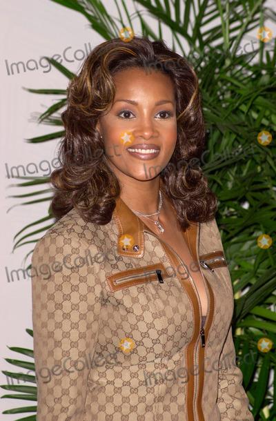 Vivica A Fox Photo - 04MAR2000 Actress VIVICA A FOX at the 14th Annual Soul Train Music Awards in Los Angeles Paul Smith  Featureflash
