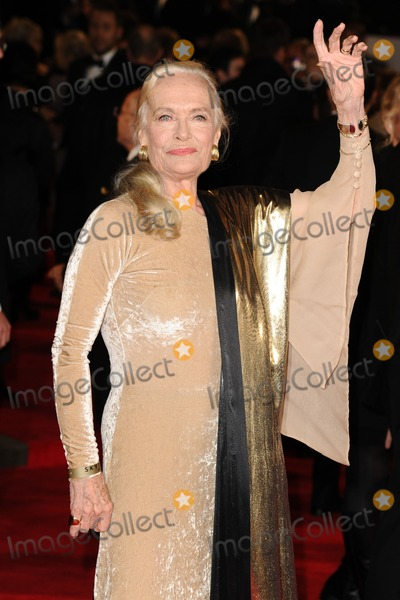 Shirley Eaton Photo - Shirley Eaton arriving for the Royal World Premiere of Skyfall at Royal Albert Hall London 23102012 Picture by Steve Vas  Featureflash
