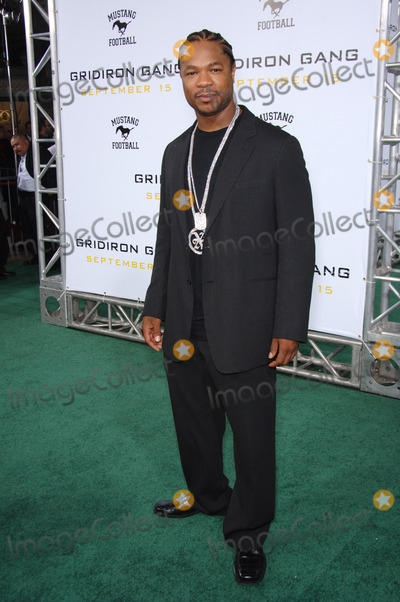 Alvin Xzibit Joiner Photo - Actor ALVIN JOINER aka XZIBIT at the Los Angeles premiere of his new movie Gridiron Gang at the Graumans Chinese Theatre HollywoodSeptember 5 2006  Los Angeles CA 2006 Paul Smith  Featureflash