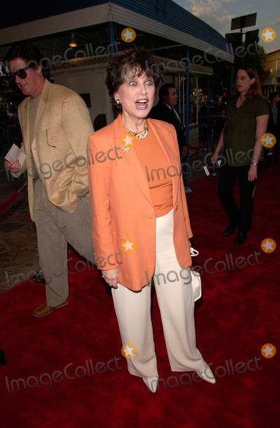 Suzanne Pleshette Photo - Actress SUZANNE PLESHETTE at the world premiere in Los Angeles of Space Cowboys