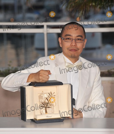 Apichatpong Weerasethakul Photo - Palme DOr winner Apichatpong Weerasethakul at the closing Awards Gala at the 63rd Festival de CannesMay 23 2010  Cannes FrancePicture Paul Smith  Featureflash