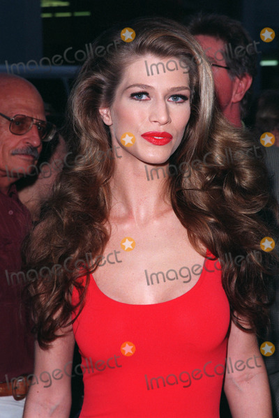 Amber Smith Photo - 18AUG98  Actressmodel AMBER SMITH at the Beverly Hills premiere of HBOs The Rat Pack The movie is based on the lives of Frank Sinatra Dean Martin Peter Lawford  Joey Bishop