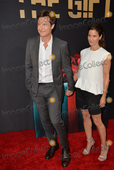 Amanda Anka Photo - Jason Bateman  wife Amanda Anka at the world premiere of his movie The Gift at the Regal Cinemas LA LiveJuly 30 2015  Los Angeles CAPicture Paul Smith  Featureflash