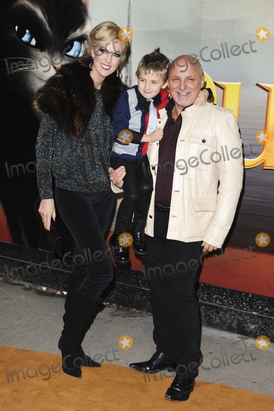 Aldo Zilli Photo - chef Aldo Zilli arriving for the Puss in Boots premiere at the Empire Leicester Square London 24112011  Picture by Steve Vas  Featureflash